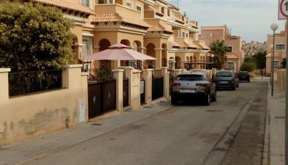 3 soveværelse Byhus til leje i Villamartin - € 550 (Ref: 5918148)