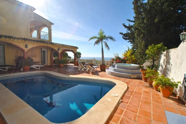 3 sypialnia Willa na kwatery wakacyjne w Riviera del Sol z basenem garażem - 750 € (Ref: 5247590)