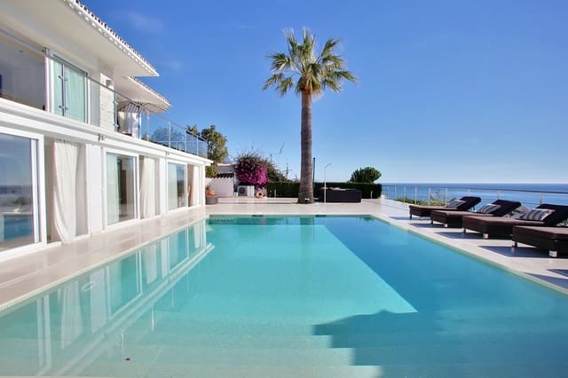 6 bedroom Villa for holiday rental in La Cala de Mijas with pool - € 3,650 (Ref: 5247628)