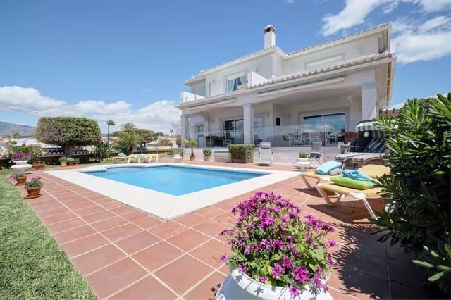 4 sypialnia Willa na kwatery wakacyjne w El Faro z basenem garażem - 2 290 € (Ref: 5247631)