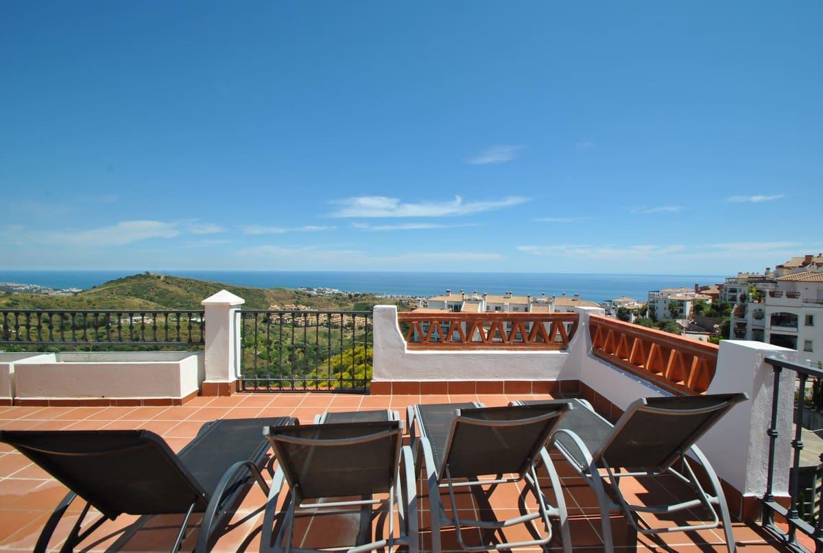 2 slaapkamer Penthouse voor vakantieverhuur in Calahonda met zwembad garage - € 380 (Ref: 5301307)