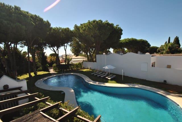 3 soveværelse Semi-Rækkehus til salg i Las Chapas med swimmingpool garage - € 499.000 (Ref: 6378749)
