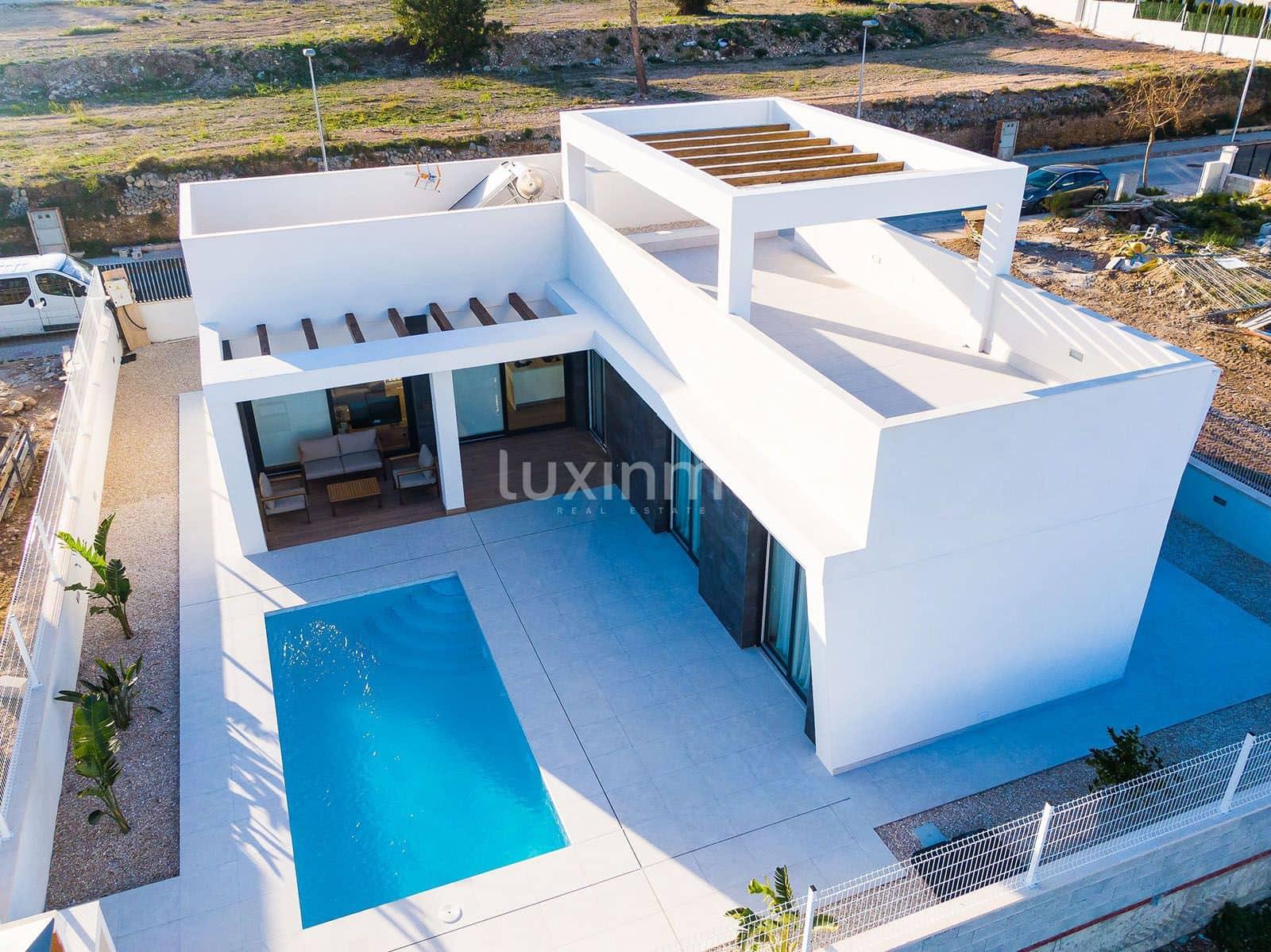 Adosado de 3 habitaciones en Polop en venta con piscina garaje - 320.000 € (Ref: 5129878)