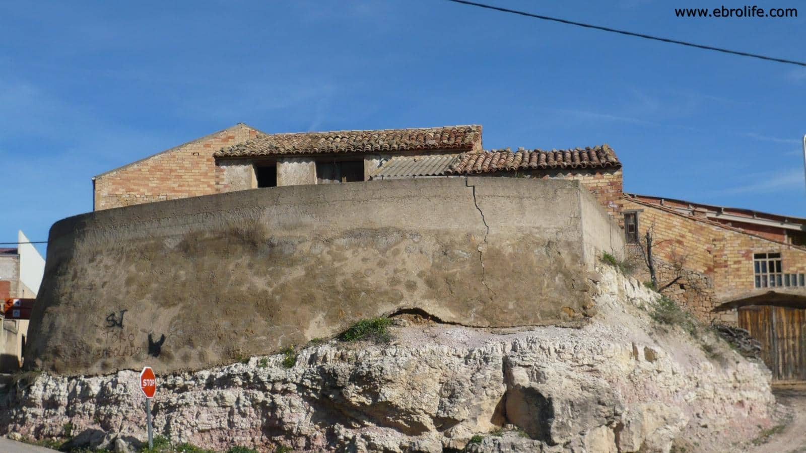 Casa de 1 habitación en Cretas en venta - 68.000 € (Ref: 5742921)