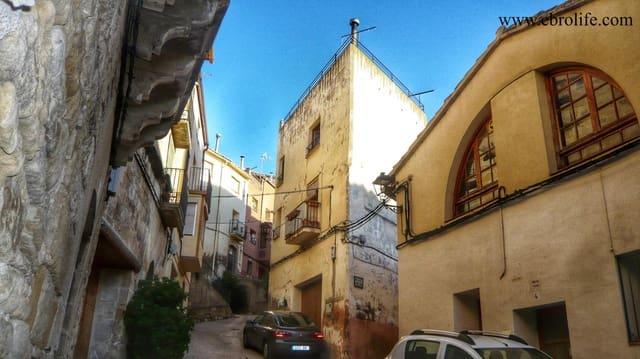 Chalet de 5 habitaciones en La Fresneda en venta - 120.000 € (Ref: 5742924)