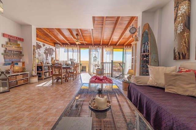 3 quarto Casa em Banda para venda em Las Chafiras (San Miguel) com piscina garagem - 245 000 € (Ref: 5780482)