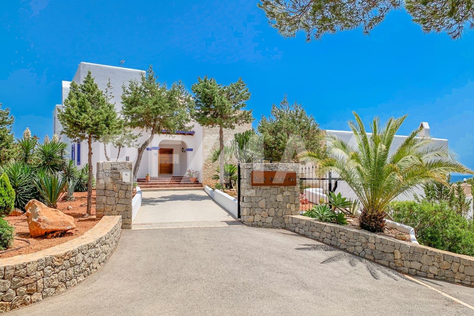 7 soverom Rekkehus til salgs i Santa Eulalia / Santa Eularia med svømmebasseng garasje - € 3 500 000 (Ref: 5451943)
