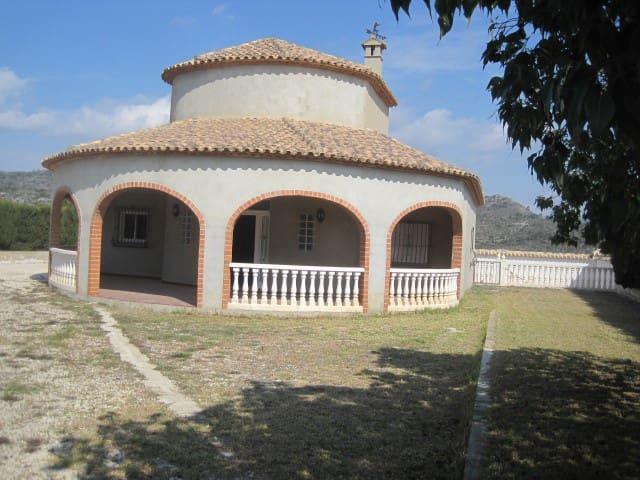 Villa/Maison à vendre à Llutxent - 219 000 € (Ref: 3875718)