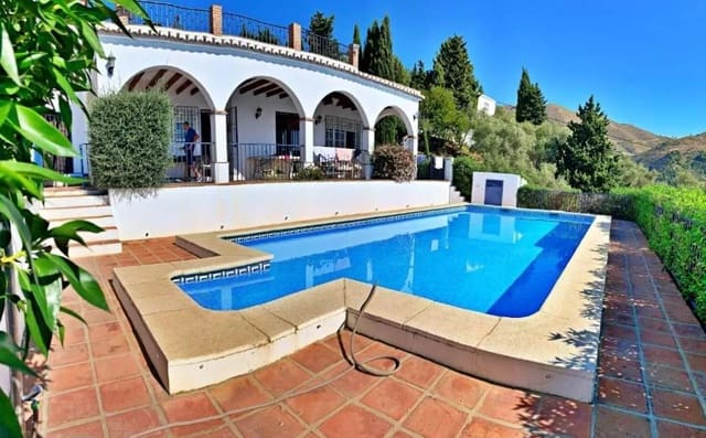 6 bedroom Villa for holiday rental in Competa with pool - € 1,035 (Ref: 5082982)