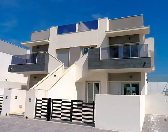 Piso de 2 habitaciones en Pilar de la Horadada en venta con piscina - 140.000 € (Ref: 3724112)