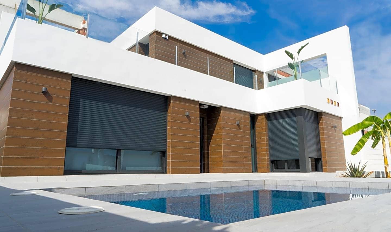 Chalet de 3 habitaciones en Benijófar en venta con piscina - 272.000 € (Ref: 3799892)