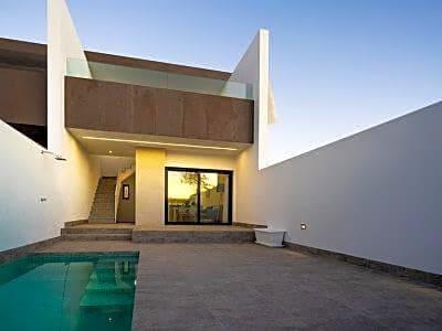 Chalet de 3 habitaciones en Pilar de la Horadada en venta con piscina - 199.000 € (Ref: 4985933)