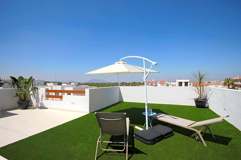 Chalet de 3 habitaciones en Benijófar en venta - 264.900 € (Ref: 5020800)