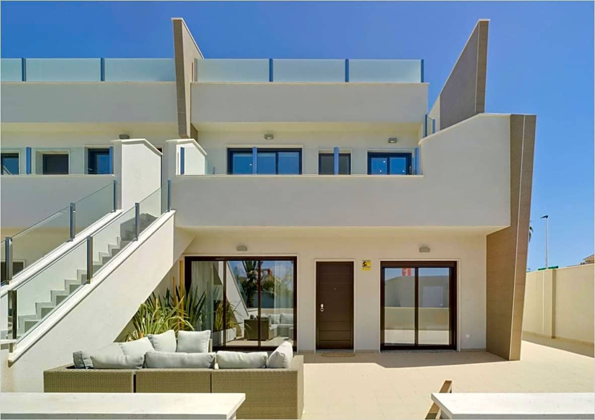 Piso de 2 habitaciones en Pilar de la Horadada en venta - 159.900 € (Ref: 5057179)