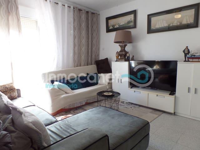3 chambre Appartement à vendre à Piles - 85 000 € (Ref: 5962370)