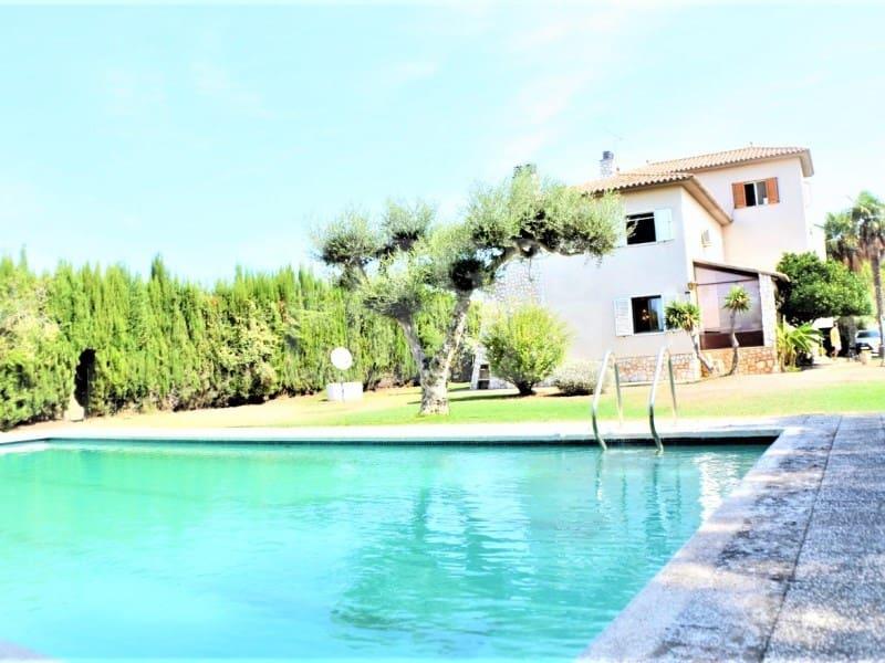 4 sovrum Finca/Hus på landet till salu i Llorenc del Penedes med pool garage - 550 000 € (Ref: 5237694)