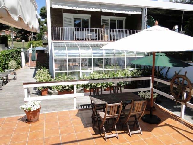 Chalet de 7 habitaciones en Sitges en venta con garaje - 1.150.000 € (Ref: 5237738)