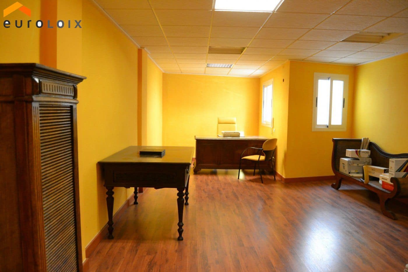 Office for sale in Benidorm with garage - € 126,000 (Ref: 4661989)
