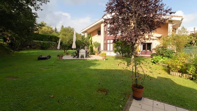 Chalet de 5 habitaciones en Oviedo en venta - 630.000 € (Ref: 4207593)
