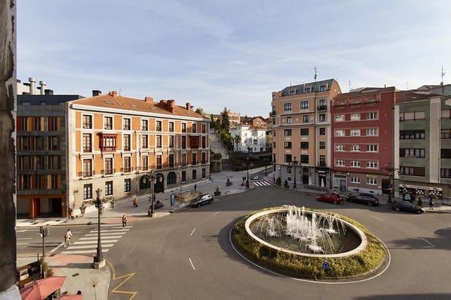 5 Zimmer Wohnung zu verkaufen in Oviedo - 450.000 € (Ref: 4207726)
