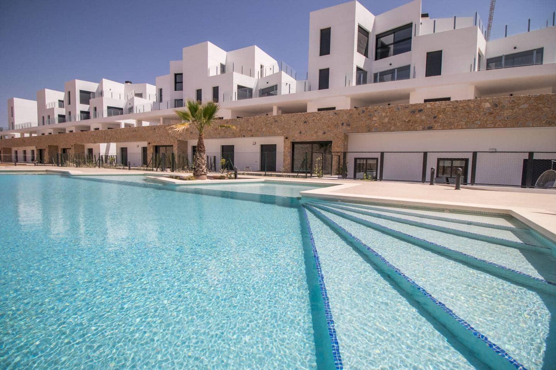 Piso de 2 habitaciones en Orihuela en venta con piscina - 169.000 € (Ref: 3915797)