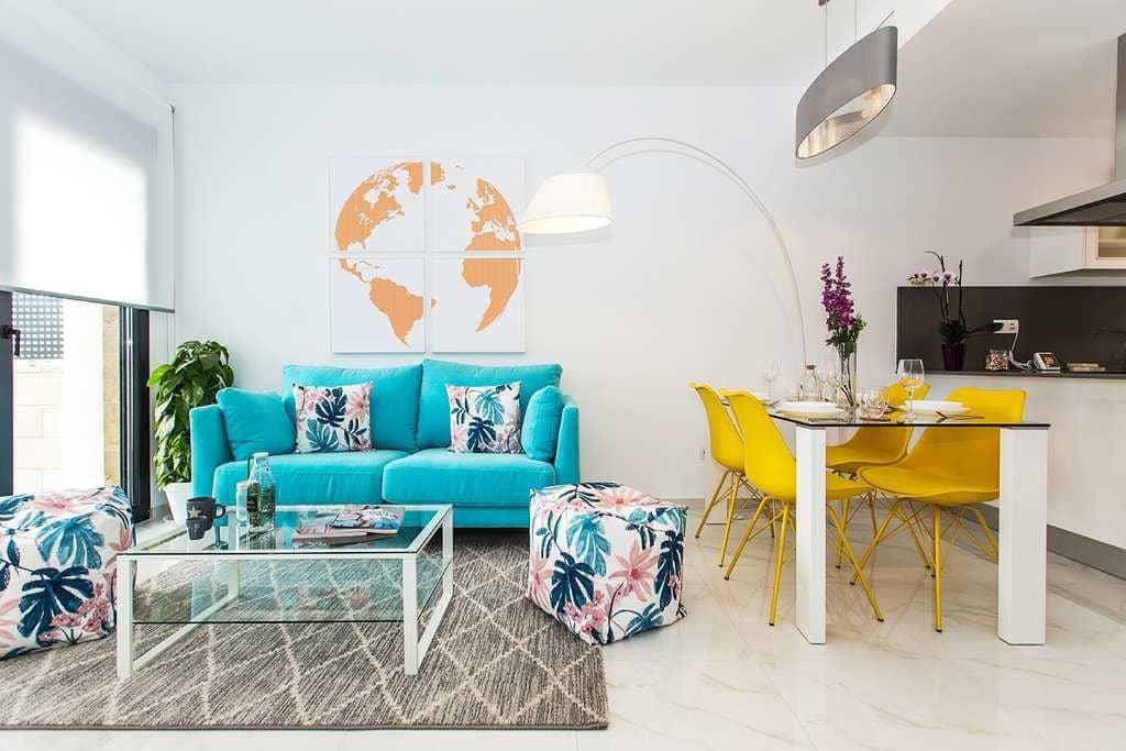 Chalet de 3 habitaciones en Orihuela en venta con piscina - 235.000 € (Ref: 4240372)