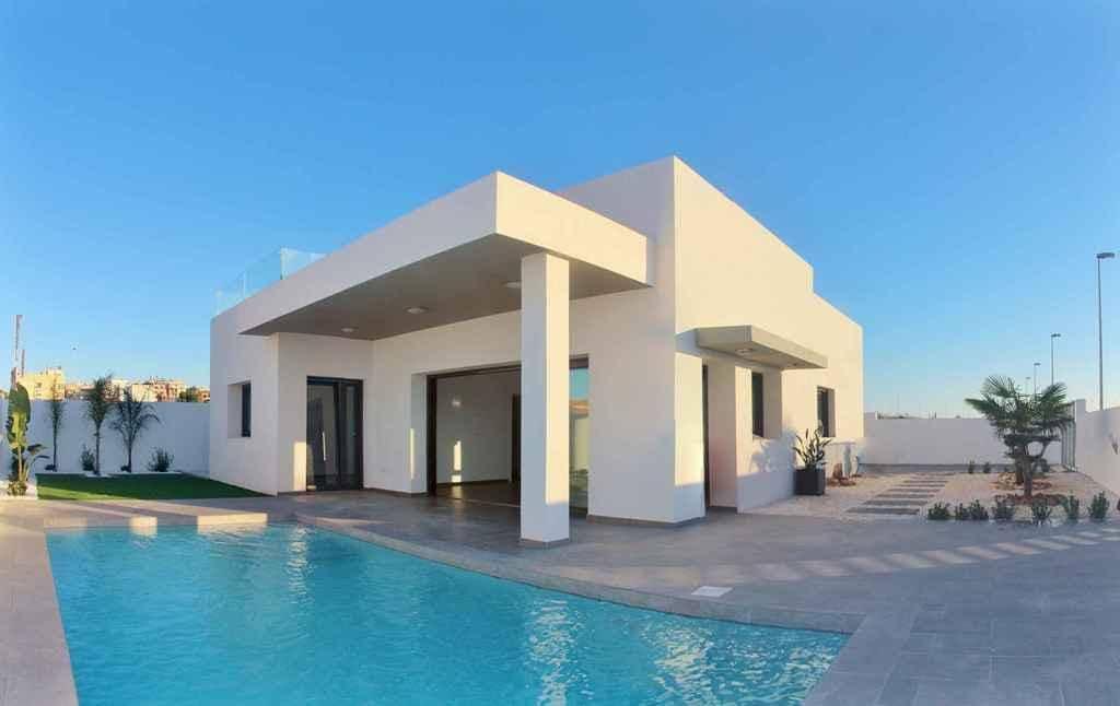 Chalet de 3 habitaciones en Benijófar en venta con piscina garaje - 325.000 € (Ref: 4275805)
