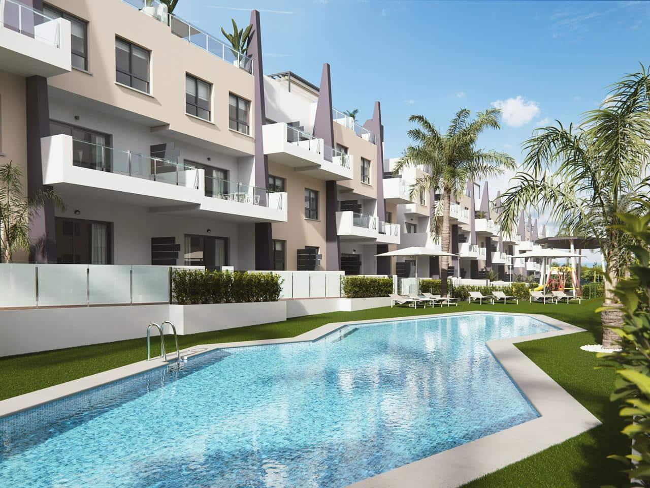 Piso de 3 habitaciones en Pilar de la Horadada en venta con piscina garaje - 164.000 € (Ref: 4403876)