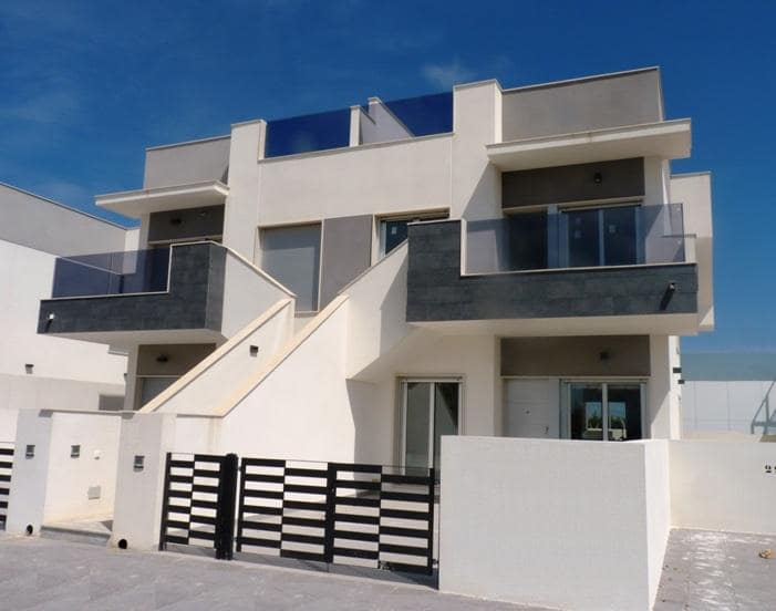 Bungalow de 2 habitaciones en Pilar de la Horadada en venta con piscina garaje - 140.000 € (Ref: 4580204)