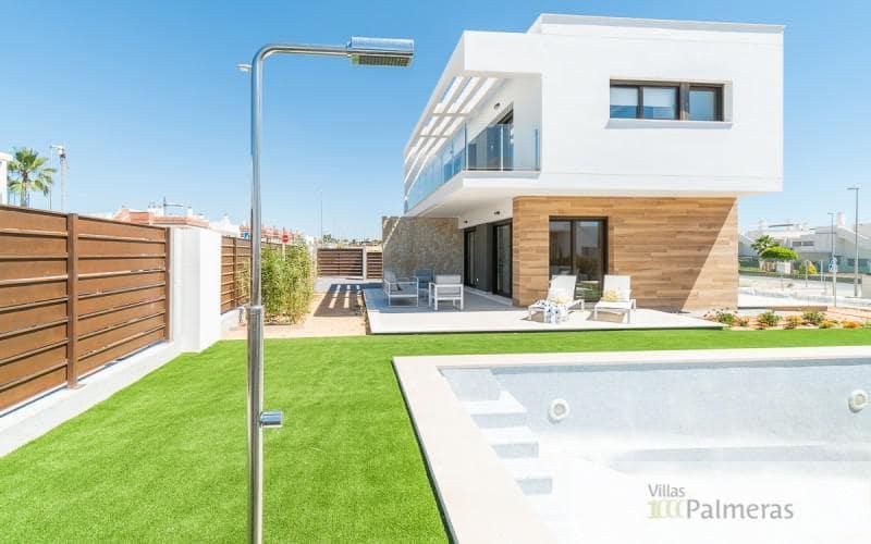 Chalet de 3 habitaciones en Pilar de la Horadada en venta con piscina garaje - 415.000 € (Ref: 4800454)