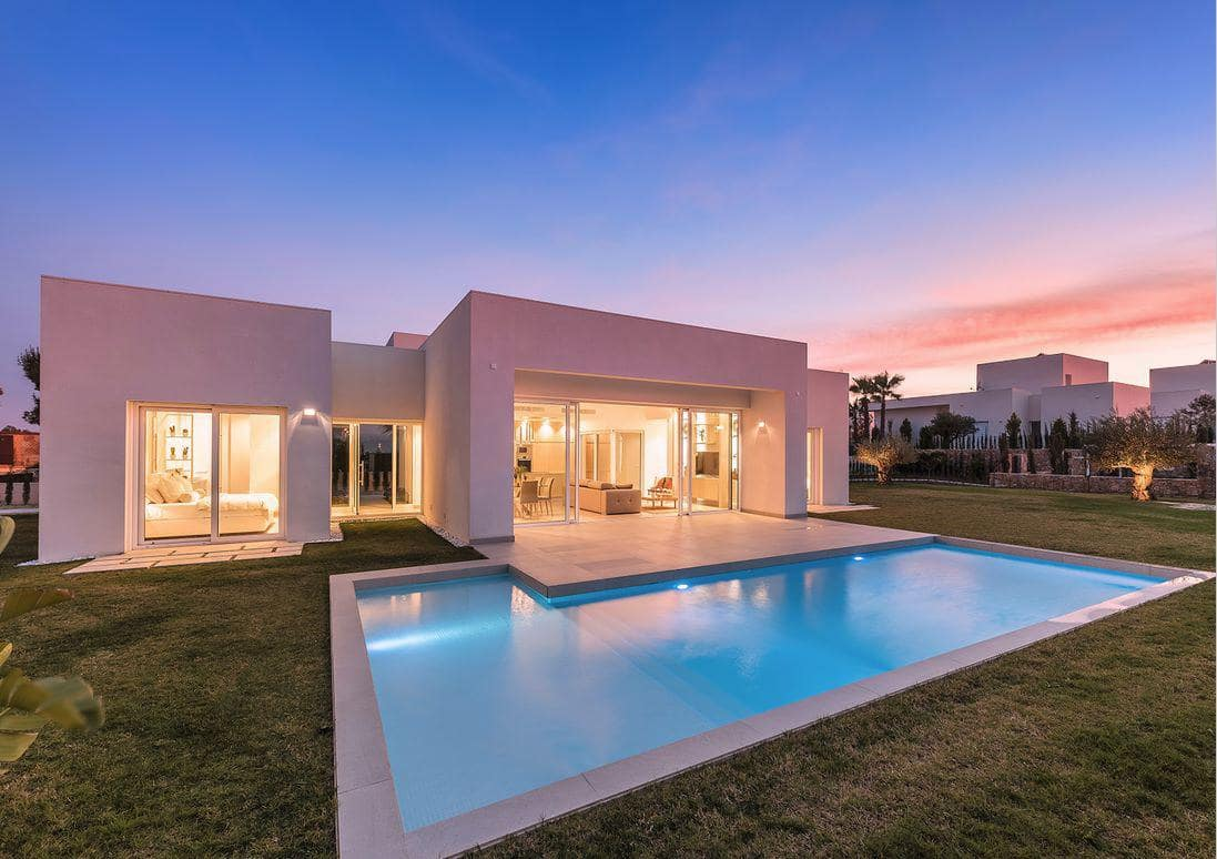 Chalet de 3 habitaciones en Orihuela en venta con piscina - 545.000 € (Ref: 4970346)