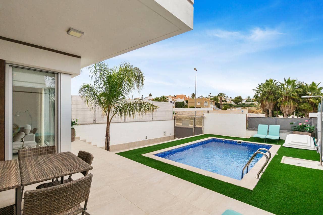 Chalet de 3 habitaciones en Orihuela en venta con piscina garaje - 365.000 € (Ref: 4987541)