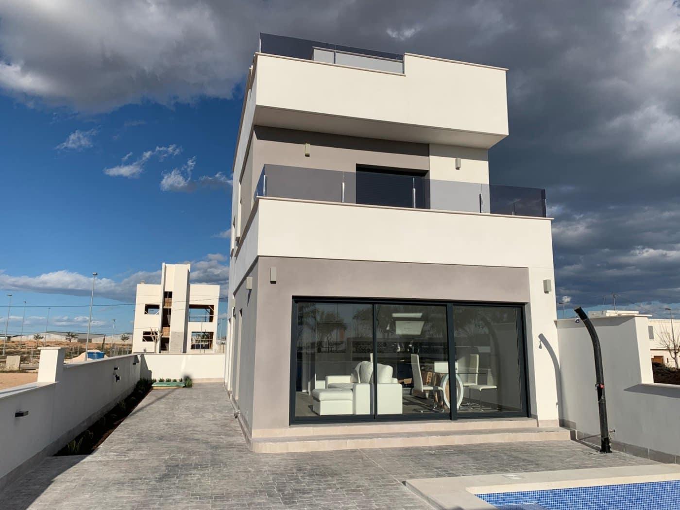 Chalet de 3 habitaciones en Pilar de la Horadada en venta - 259.900 € (Ref: 4641516)