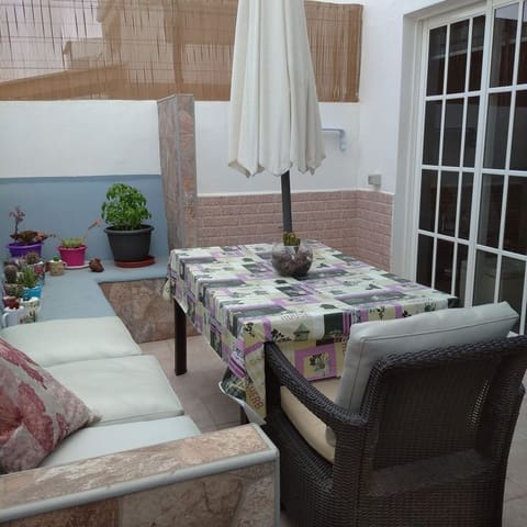 Pareado de 3 habitaciones en Adeje en venta - 265.000 € (Ref: 5965179)