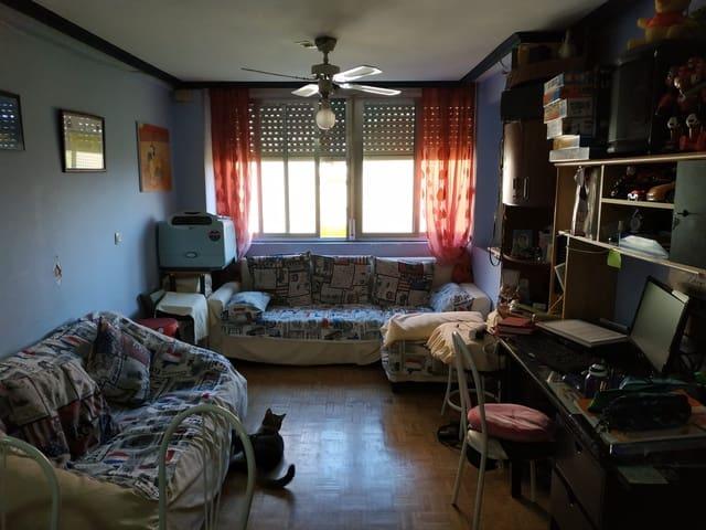 Piso de 3 habitaciones en Fuenlabrada en venta - 110.000 € (Ref: 5592195)