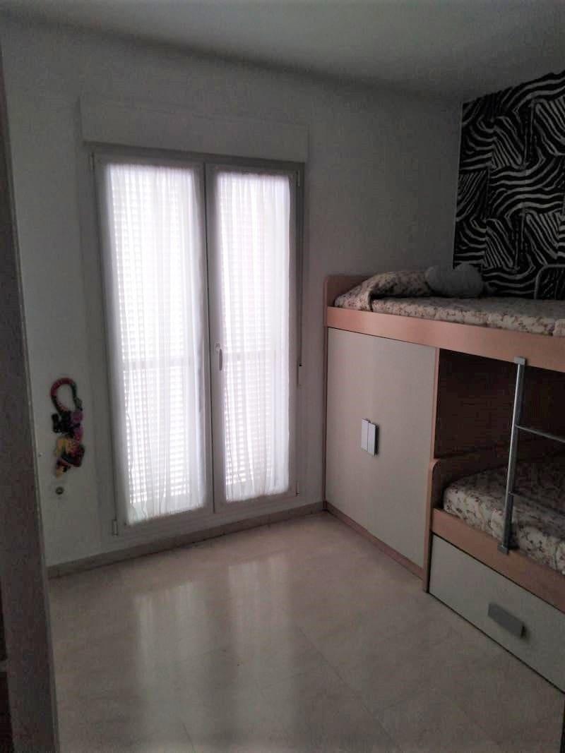 5 chambre Villa/Maison Mitoyenne à vendre à Badajoz ville avec garage - 289 900 € (Ref: 5661857)