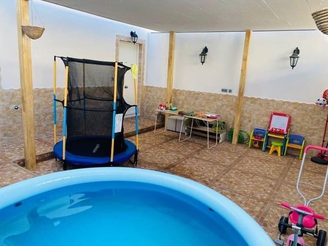 4 sovrum Radhus till salu i Badajoz stad med garage - 166 000 € (Ref: 6143219)