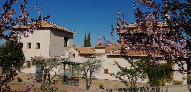 5 sovrum Villa till salu i Dilar med pool - 445 000 € (Ref: 5414442)