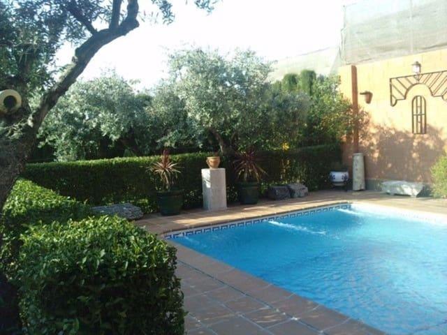 5 chambre Villa/Maison à vendre à Gojar avec piscine - 520 000 € (Ref: 5414456)