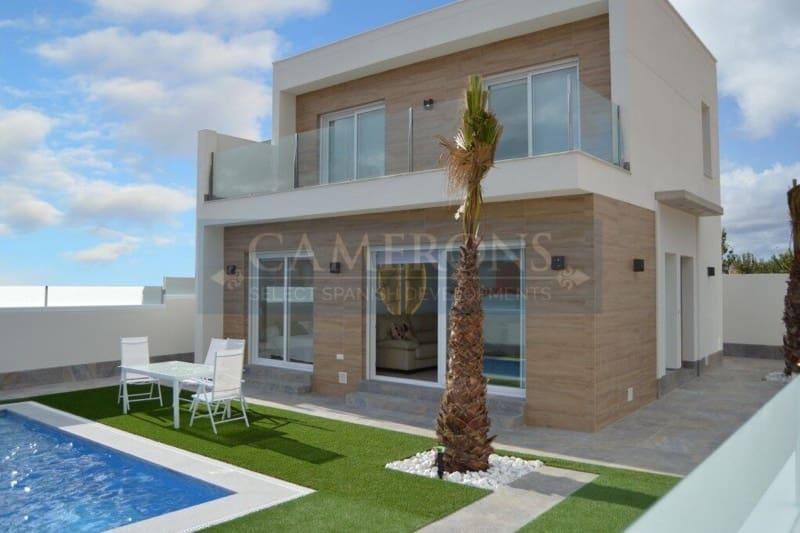 Chalet de 3 habitaciones en Pilar de la Horadada en venta con piscina - 283.000 € (Ref: 5047370)
