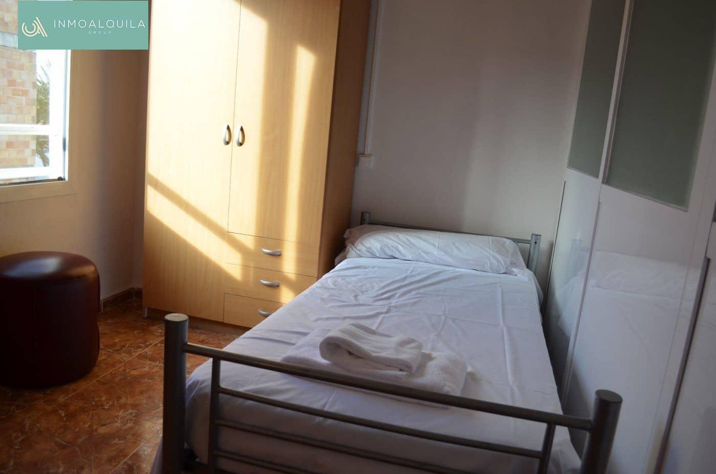 2 slaapkamer Appartement te huur in Playas de Muro / Platges de Muro - € 750 (Ref: 5189189)