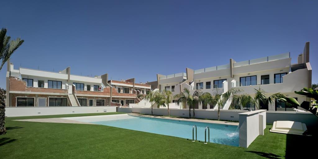 Bungalow de 2 habitaciones en Pilar de la Horadada en venta con piscina - 169.900 € (Ref: 4873571)