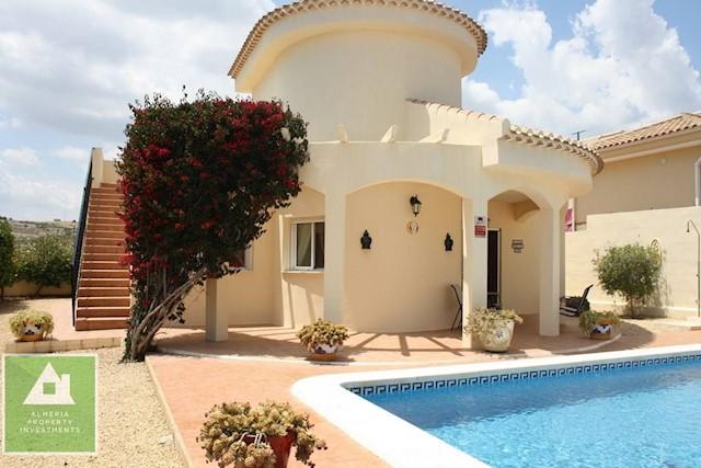 3 sovrum Villa till salu i Los Gallardos med pool - 235 000 € (Ref: 3990698)