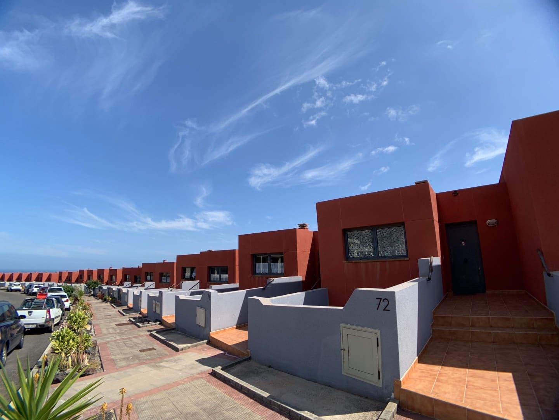 3 quarto Moradia em Banda para venda em Caleta de Fuste com piscina - 170 000 € (Ref: 4562333)