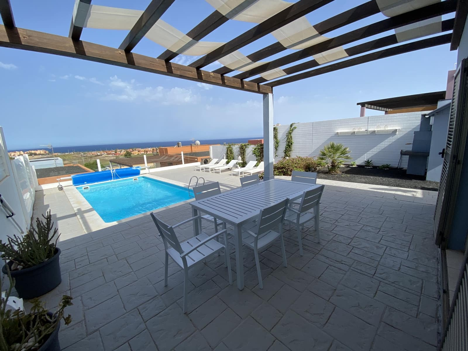 Pareado de 3 habitaciones en Caleta de Fuste en venta con piscina garaje - 327.000 € (Ref: 5627132)