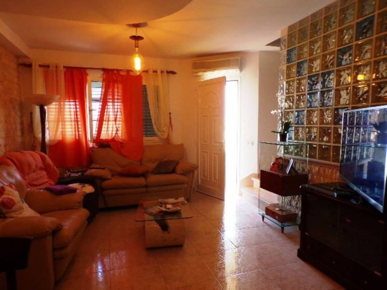 3 sypialnia Dom na sprzedaż w Santa Lucia de Tirajana z garażem - 263 000 € (Ref: 4825376)