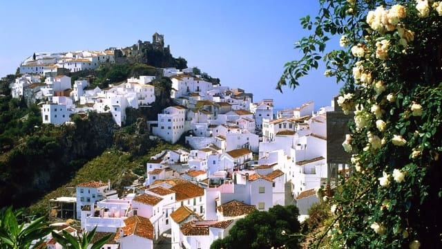 4 bedroom Townhouse for sale in Casares - € 250,000 (Ref: 5278752)