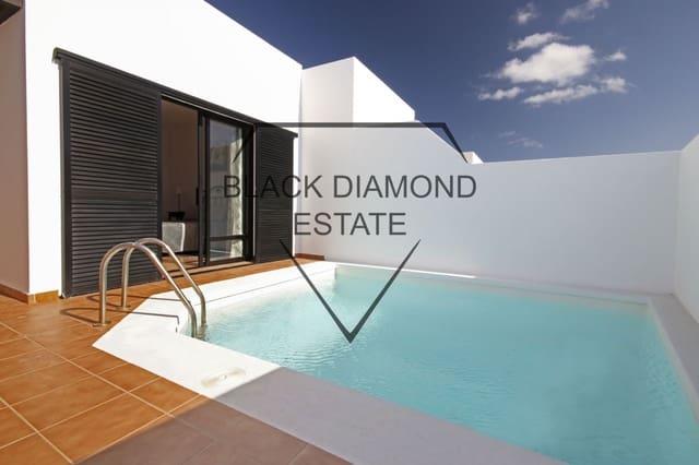 Pareado de 3 habitaciones en Playa Blanca en venta con piscina - 250.000 € (Ref: 4709107)