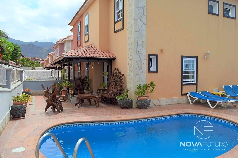 4 bedroom Villa for sale in Adeje with pool - € 536,000 (Ref: 6300171)