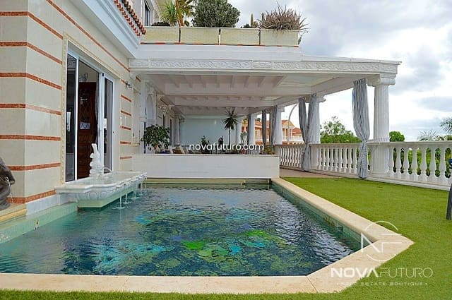 4 bedroom Villa for sale in Adeje - € 2,500,000 (Ref: 6300182)